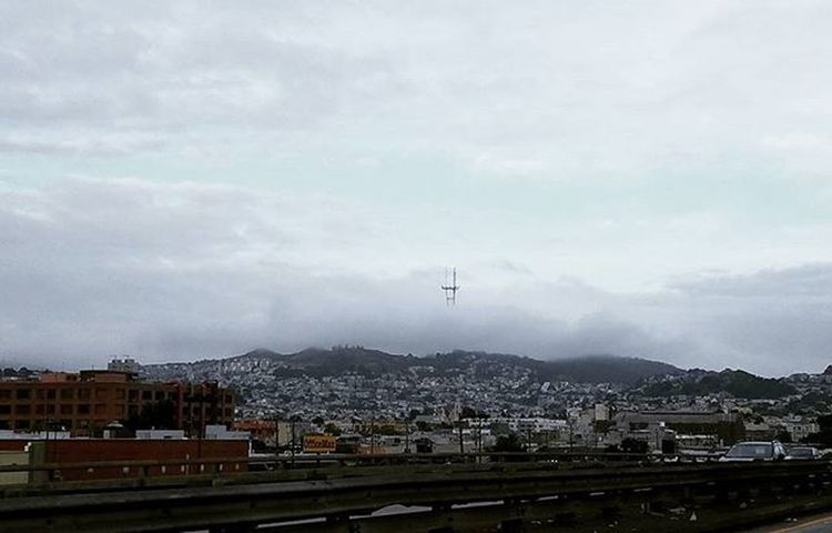 Love this view in the morning. Karlthefog☁️ Sutrotower Morningtraffic Sanfrancisco ILOVESF Sfdreaming Sflife FogCity Sf_insta @karlthefog Sanfrancitizens