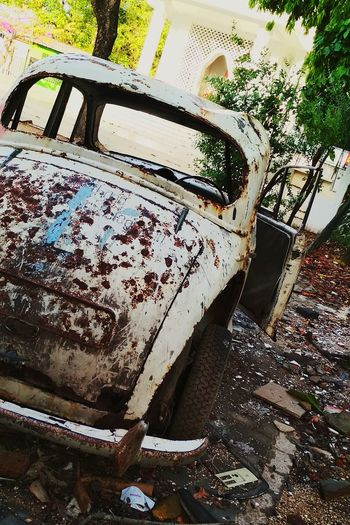 Old and Rusted... Human Life is the Same. Years go and Humans get Old💯🖤 LifE🖤💯 Cars Classic Life Rusted Metal  Old
