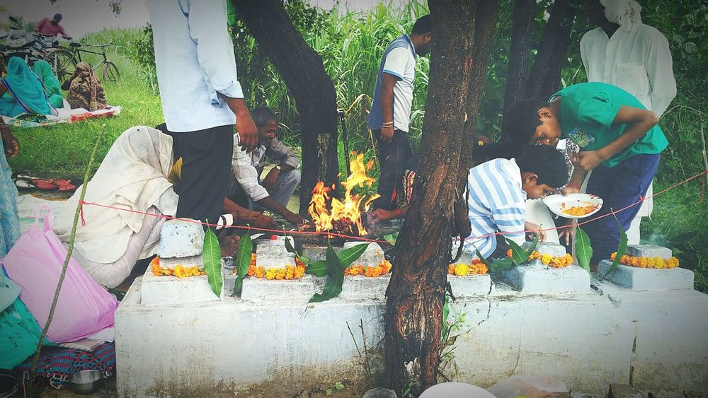 India Indian Indiapictures Check This Out That's Me Vintage Indian Culture  Indiaphotos Indianstories Fire Worshiping God Worship