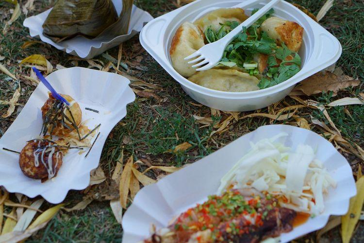 Sundays in Berlin, fresh Asian food in the park Asian Food Berlin Street Markets Food Food Photography Food Porn Foodporn Streetlife Sunday Morning Thai Food Thaifood Thaiwiese
