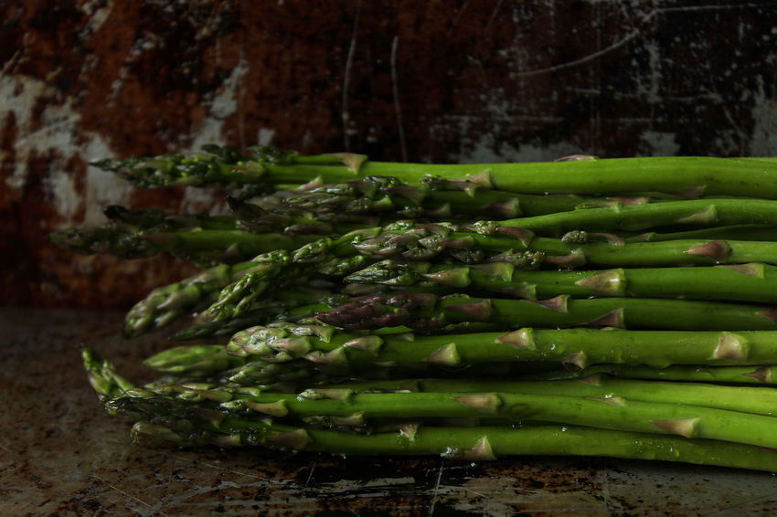 Asparagus Asparagus Food And Drink Green Color Healthy Eating Freshness Vegetable Close-up Wellbeing Still Life Indoors  No People Focus On Foreground Studio Shot Copy Space Freshness Raw Ripe Stalk
