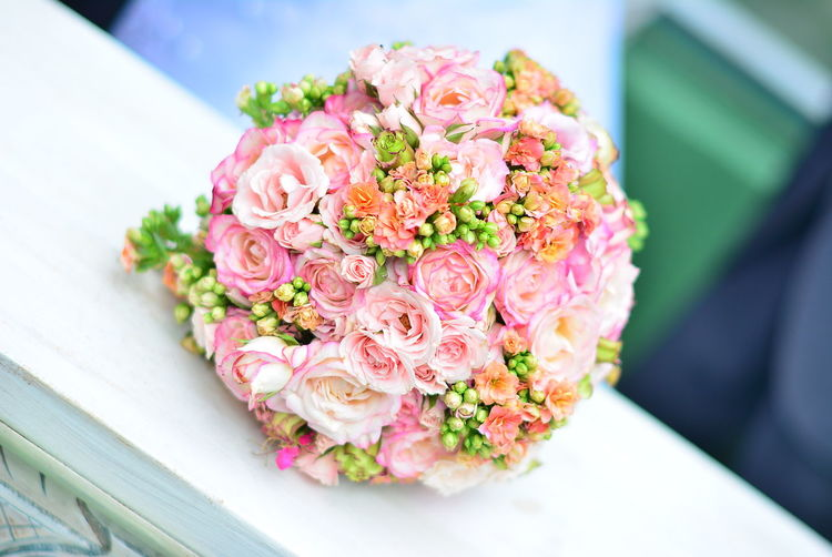 Close-Up Of Pink Rose Bouquet On Table