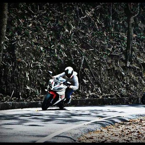 Bike Ride Speed Cornering Passion !!