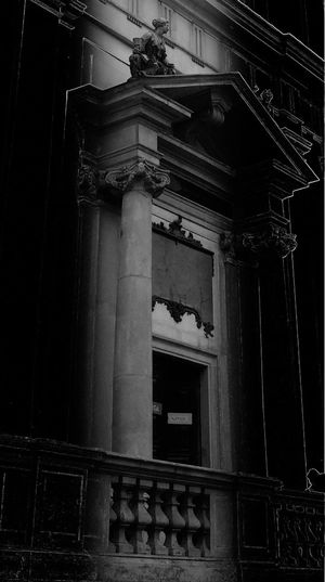 Bnw_friday_eyeemchallenge Bnw_doors Blackandwhite Architecture Built Structure
