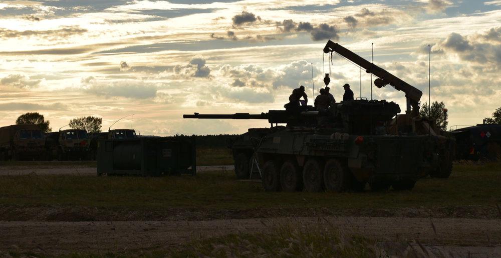 Recovery Sundown Military Crane Repairs Repairman Field Maintenance Gun Stryker