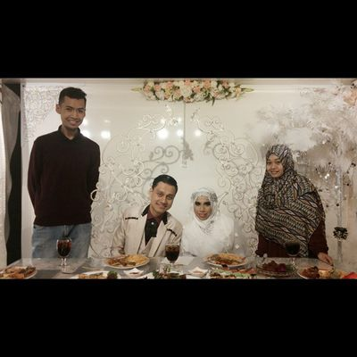بَارَكَ اللهُ لَكَ، وَبَارَكَ عَلَيْك، وَجَمَعَ بَيْنَكُمَا فِي الْخَيْرِ. May Allah swt make you both the coolness of each others hearts and eyes, and bless you with righteous offspring and may your marriage last till Jannah, Ameen.. Walimahseries