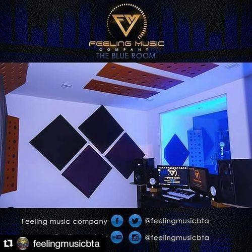 Repost @feelingmusicbta Feelingmusiccompany Feeling music abre sus puertas hace 5 años de los cuales los ultimos 3 hemos estado registrados por cámara de comercio, desde el 2014 realizamos los registros de nuestros artistas con derechos de autor y sayco, contamos con dos productores musicales (beatmaker, vocal producer), diseñador grafico, web management, jefe de prensa, community manager en Lima y NY Si quieres trabajar con Losmejores y primeros de Bogotá COMUNICATE!! Wsp: 316 694 7865 Cel: 300 483 5047 A finales de Julio si estas en Perú podras trabajar con nosotros Theblueroom Feelingmusic Studio Bogotá Colombia Musicalproduction Music Recording Singer  @javier_elnene @gangstatco @ganstervidgroup @yazzygram @julianrodriguezr11 @moratonanis @jotakonsul @carrilloproduciones @bogopautaco @bogopautagroup @babygmusica Feelingteam Fmc Marketing Network Visual Social Creative Group Producer Wordwide design grafhic web managers comunity