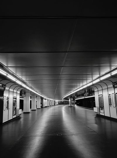 Black & White Friday Black And White Monochrome Madness Monochrome Monday Architecture Artificial Light Lines And Shapes Vanishing Point