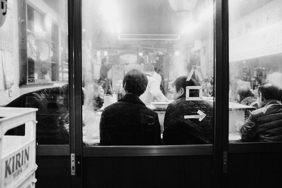 Shinjuku, Tokyo, 2017 Daily Life Everybodystreet Japan Monochrome Real People Streetphotography The Street Photographer - 2017 EyeEm Awards Tokyo