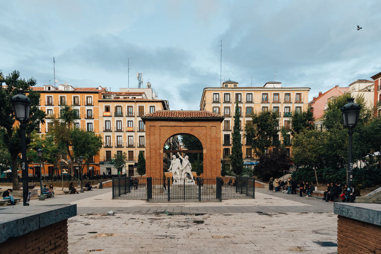 Dos de Mayo Square in Malasaña District in Madrid City Daoíz Y Velarde Madrid Malasaña SPAIN Spanish Square Travel Architecture Building Exterior City Day Dos De Mayo Monument Outdoors Sculpture Statue Travel Destinations Urban