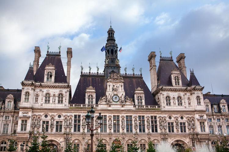 Hotel de ville facade . city's local administration of paris