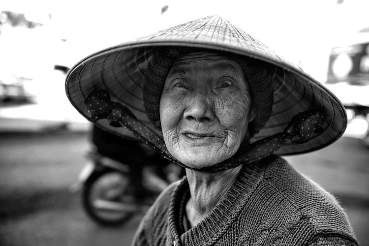 ... EyeEm Best Shots - Black + White EyeEm Best Shots - People + Portrait EyeEm Best Shots Streetphotography Street Photography Streetphoto_bw Street Portrait Black And White Portrait Of A Woman