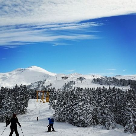 Uludag Uludag Kar Bursa Turkey Snow Skiing Skirun Ski Skibings Kayak Karmanzarası Nature Snowscenery Bluesky Uludağzirve Winterscenes Snowfall Snowcentre Snowlife Snowcentralpark Nofilters