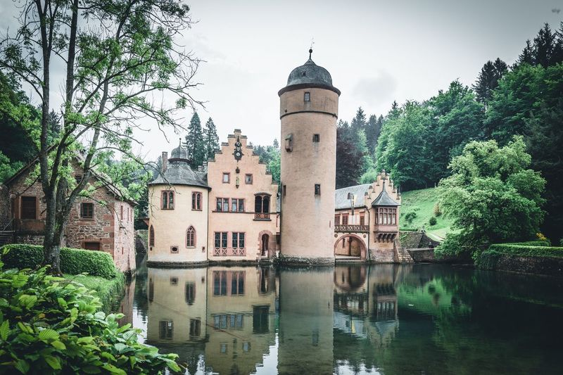 Schloss Mespelbrunn Spessart  Franconia Franken Schloss Mespelbrunn Schloss Mespelbrunn Day Outdoors Travel Tower History The Past Travel Destinations Nature Reflection No People Sky