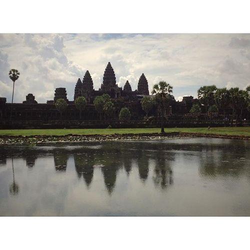Angkor Wat Siemreap Angkor KhmerEmpire Cambodia History Awesome Instatravel Happy Photooftheday هدوء