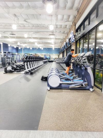 treadmills in a