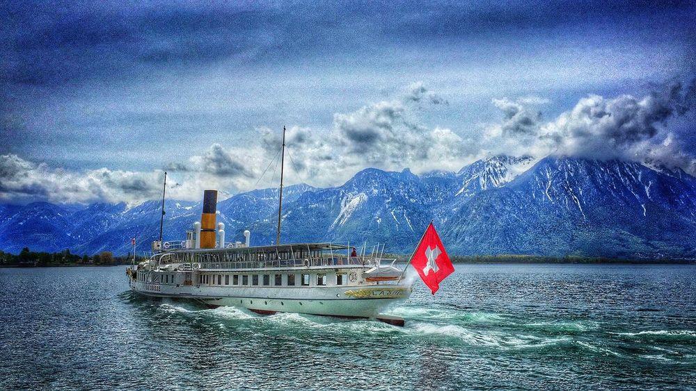 The Great Outdoors - 2016 EyeEm Awards Lake Geneva Lake Geneva & Montreux - Vevey Switzerland Traveling Home For The Holidays