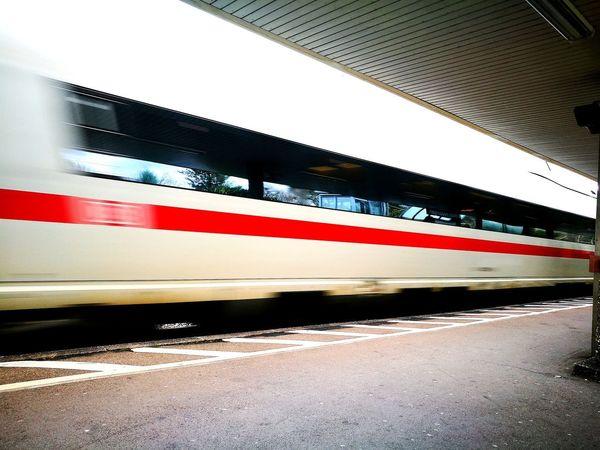 Train Ice Trainstation Fast Fasttrain Waiting