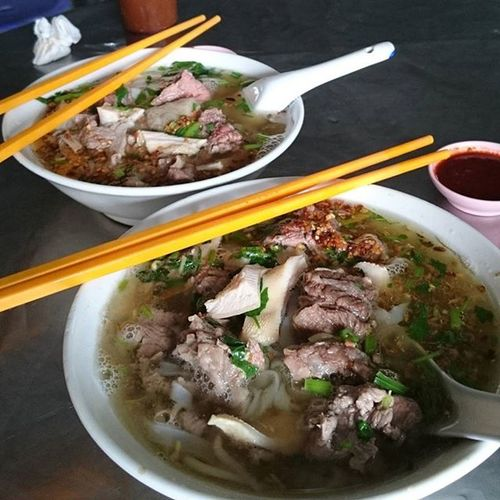 Chilli was so good that most of the customers went for 2nd/3rd helpings. Happy tummy with mixed Beef Koayteowsoup topped with fried garlic oil & Chinese parsley ; from the shabby looking 'foodcourt' {see previous post} The young man used to work alone but not anymore.... Anjacpg2016