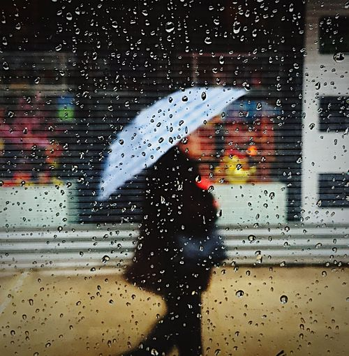 Rainy Day Rain Umbrella Sound Of Life The Street Photographer - 2015 EyeEm Awards New York OpenEdit IPhoneography Capturing Freedom Mobile Photography The Moment - 2015 EyeEm Awards