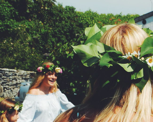 midsummer in Sweden, a fantastic experience Flower Collection Midsummer Mittsommer Summer Summertime Flowers Wild Flowers Wreath Of Flowers Mittsommar Burgsvik Gotland Sweden Summer Time  Dancing Happy Smiling Girls Original Experiences Showcase June Live For The Story