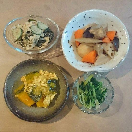 今日の我が家の晩御飯シリーズ 筑前煮 大根サラダ カボチャのそぼろ煮 水菜のからし和え