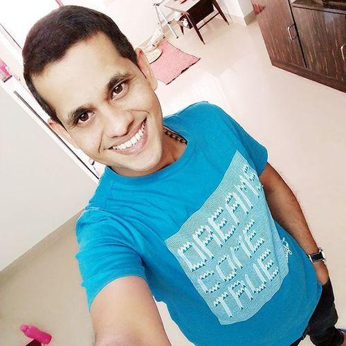 Selfie time....Smile Blue