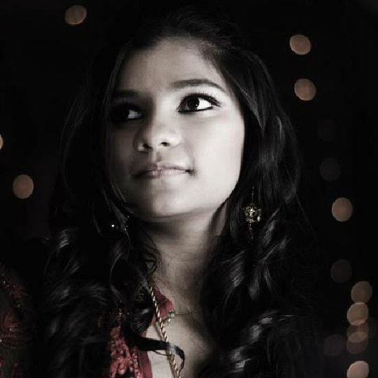 Woman Lady Girl Wedding Reception Dhanmondi Dhaka Bangladesh Nikon Nikkor D5100 50mm Bokeh Dof