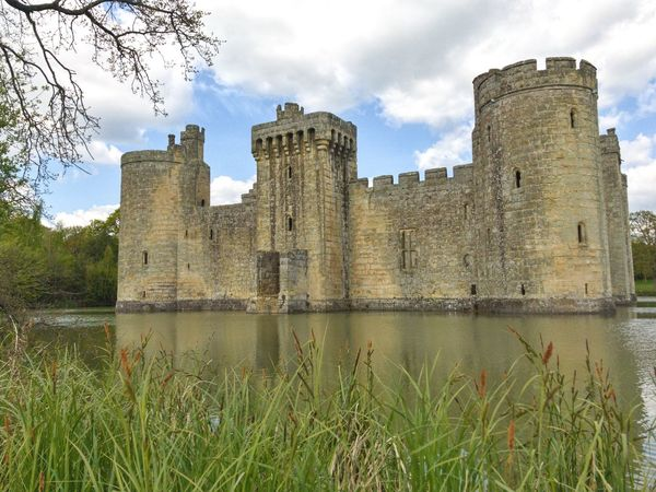 Fort Castle Medieval Architecture History The Past Water Old Ruin Travel Destinations Moats IPhone IPhoneography English History Moated Castle Ruins Medieval Castle National Trust 🇬🇧 Bodiam Castle National Trust Outdoors Ancient Cloud - Sky Reflection Sky Architecture