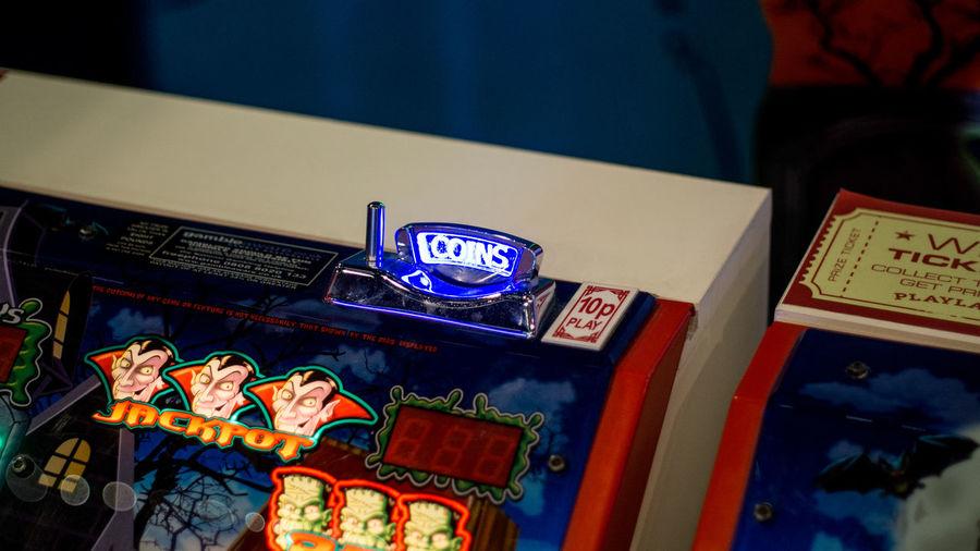 Gambling Games Gaming LED LEDLights Light Amusement Park Coin Operated Coin Slot Coin Slots Gambling Addiction Led Lights  Neon Neon Lights One Armed Bandit