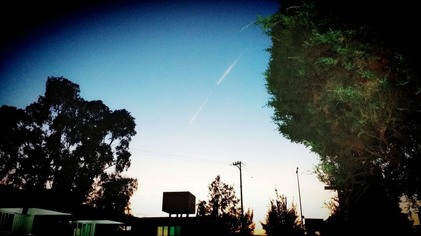 Cada vez siento que te alejas más... Me duele no poder alcanzarte Skyblue Sky And Clouds Afternoon Sky Afternoon Tranquility Nostalgie Memories ❤