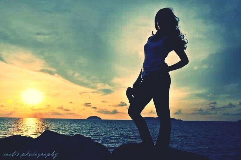 Relaxing Sea Enjoying The Sun Enjoying The Sunset