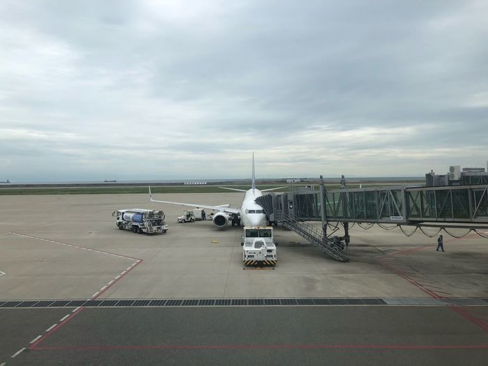 神戸 -> 東京 Skymark Airlines Kobeairport Skymark Sky Cloud - Sky Transportation Water Nature Mode Of Transportation Day