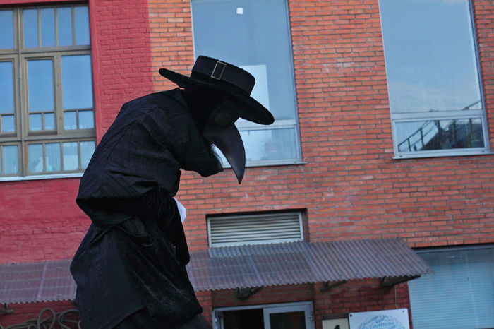Theatrical show, Vinzavod, Night of Museums 2014 Casual Clothing City Costume Mask Natural Light Portrait Plague Doctor Street Art Theatrical