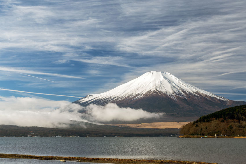 Mount Fuji ASIA Beautiful Cloud Copy Space Japan Japan Photography Japanese  Morning Mount FuJi  Winter World Heritage Yamanashi Fuji Fuji Five Lakes Fujiyama Lake Lake Yamanaka Mountain Nature Sky Snow Snowcapped Vapor Trail Water