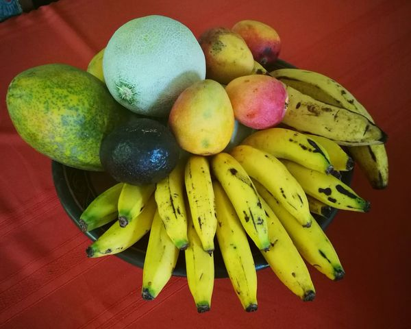 Centro de mesa Food And DrinkFruit High Angle View Food Close-up Indoors  Cantaloupe Freshness Healthy Eating No People Yellow Day First Eyeem Photo