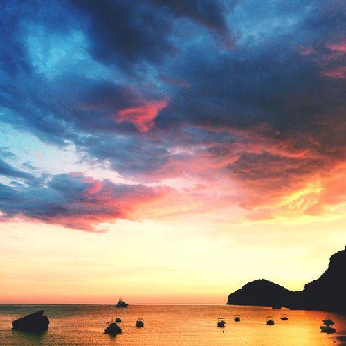 Liapades Grichenland Beachphotography Sunset Sunshine Sunset Silhouettes Sunrise_sunsets_aroundworld