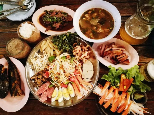 Plate Food And Drink Food Ready-to-eat Table Indoors  Freshness Variation Directly Above High Angle View No People Serving Size Healthy Eating Meat Bowl Seafood Close-up Day ตำถาด เบียร์ Seafood Indoors