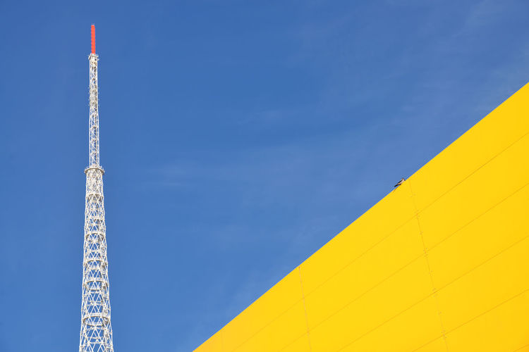 Crow's Solitude Sky Architecture No People Yellow Outdoors Wall Minimalism Crow Bird City Urban Perm Russia Perm'