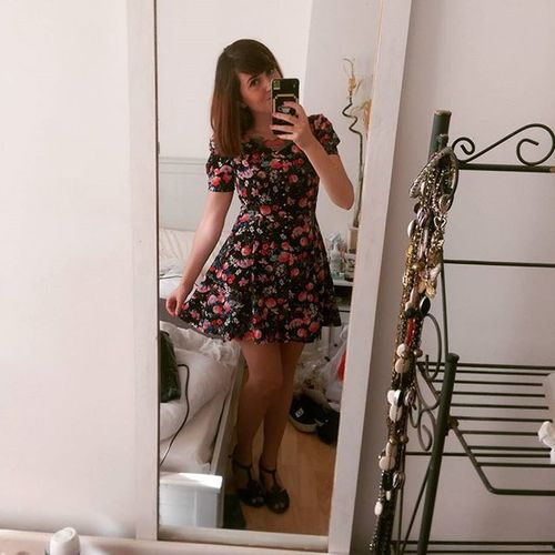 Channeling my inner Girlygirl with a Vintagestyled Floral Dress Ootd Selfie Selfieinvolved Girl Fashion Mirrorpic Summer England