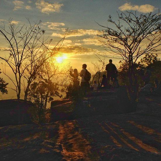 Catching the sun , Hunting the dream ... Fujifilm Fujixm1 Sunset Igerth Adayinthailand Ig_thailandia Igglobalclub Twilight Silhouette Dusk Igoftheday Photooftheday