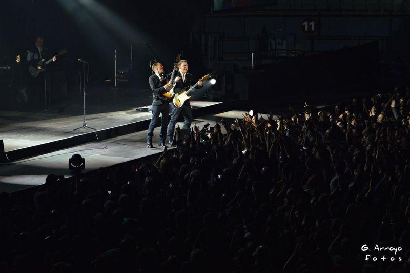 Bryan Adams Music Rock'n'Roll Rockstar Guitarra Musico Guitarist Guitarra Eléctrica Guitarrista Guitar Photography EyeEm Gallery Photograph Madrid Concert Concert Photography Concierto Live Music Palacio Vistalegre Rockstar ☆