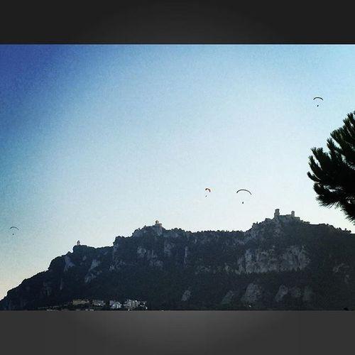 Parapendio Sanmarino Sanmarinorepublic Montetitano Italy Italia Vacanze Sky Instamood Instadaily Instagood Vscodaily Vscogrid Vscitaly Vscitalia Vscosanmarino Beautiful Beautifulday