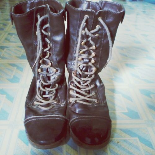 """I miss you my boots ^₩^"""" Streetphotography Happy :) My Boots Art"""