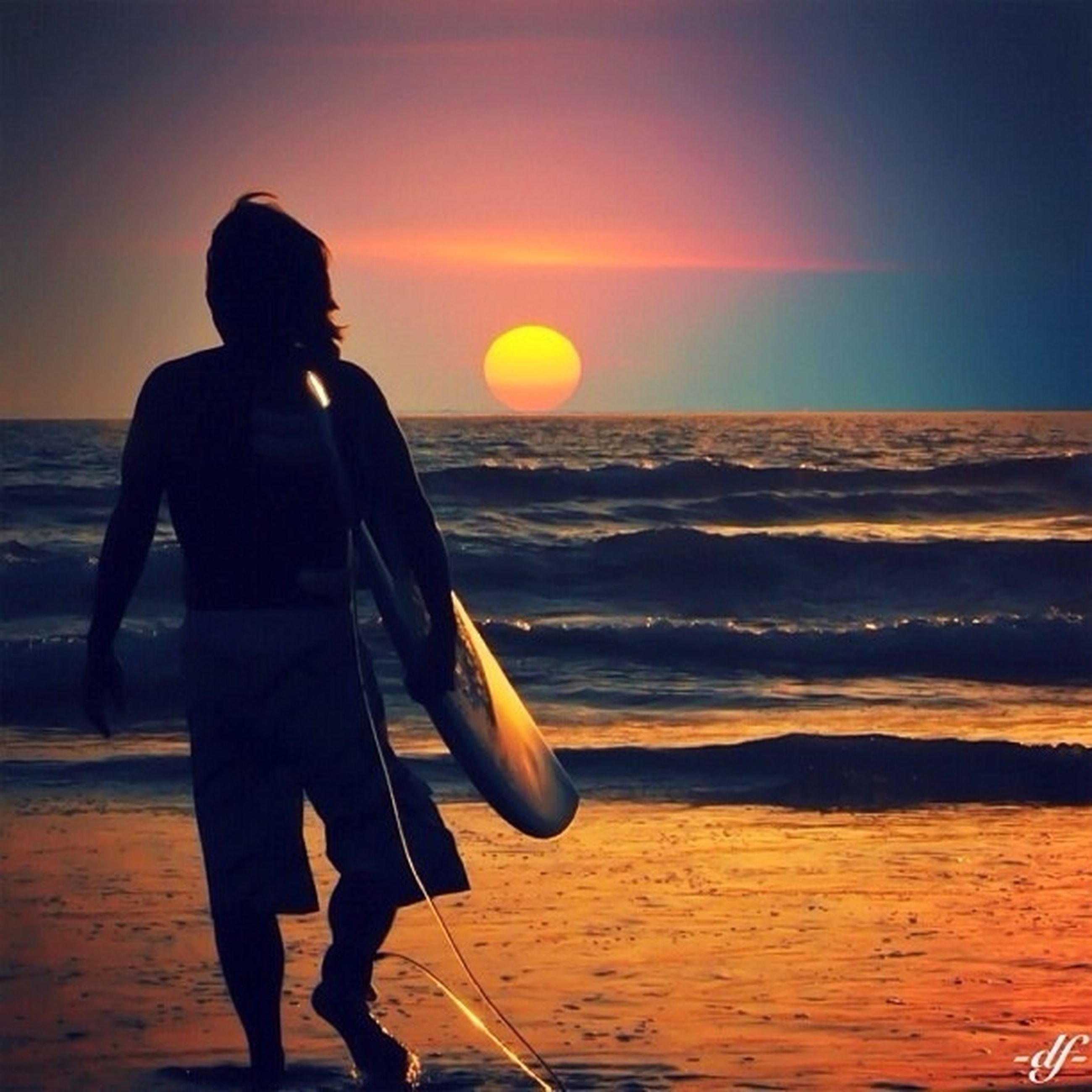 sunset, sea, horizon over water, water, orange color, silhouette, lifestyles, beach, scenics, standing, leisure activity, beauty in nature, sun, sky, tranquil scene, tranquility, idyllic, rear view
