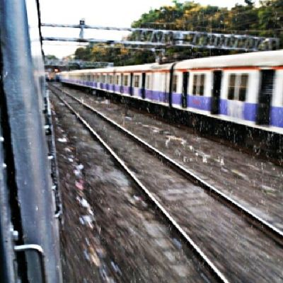Train Transport Speed HTC Picoftheday Photograph Pixlromatic India Mumbai Clickography Clicking Clickographer Dynamic Amazing Track Railway Bestpicture Best  Real Day Instaboy Instamood Instaclick Instagram
