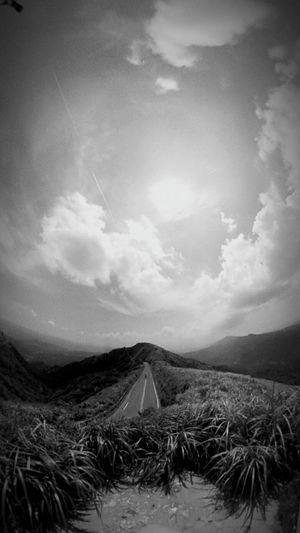 不斷增生的寂寞 Cloud - Sky Landscape Mountain Nature Beauty In Nature Sky Outdoors 不厭亭 九份 Blackandwhite Black & White Road Day Lonly Lifestyles