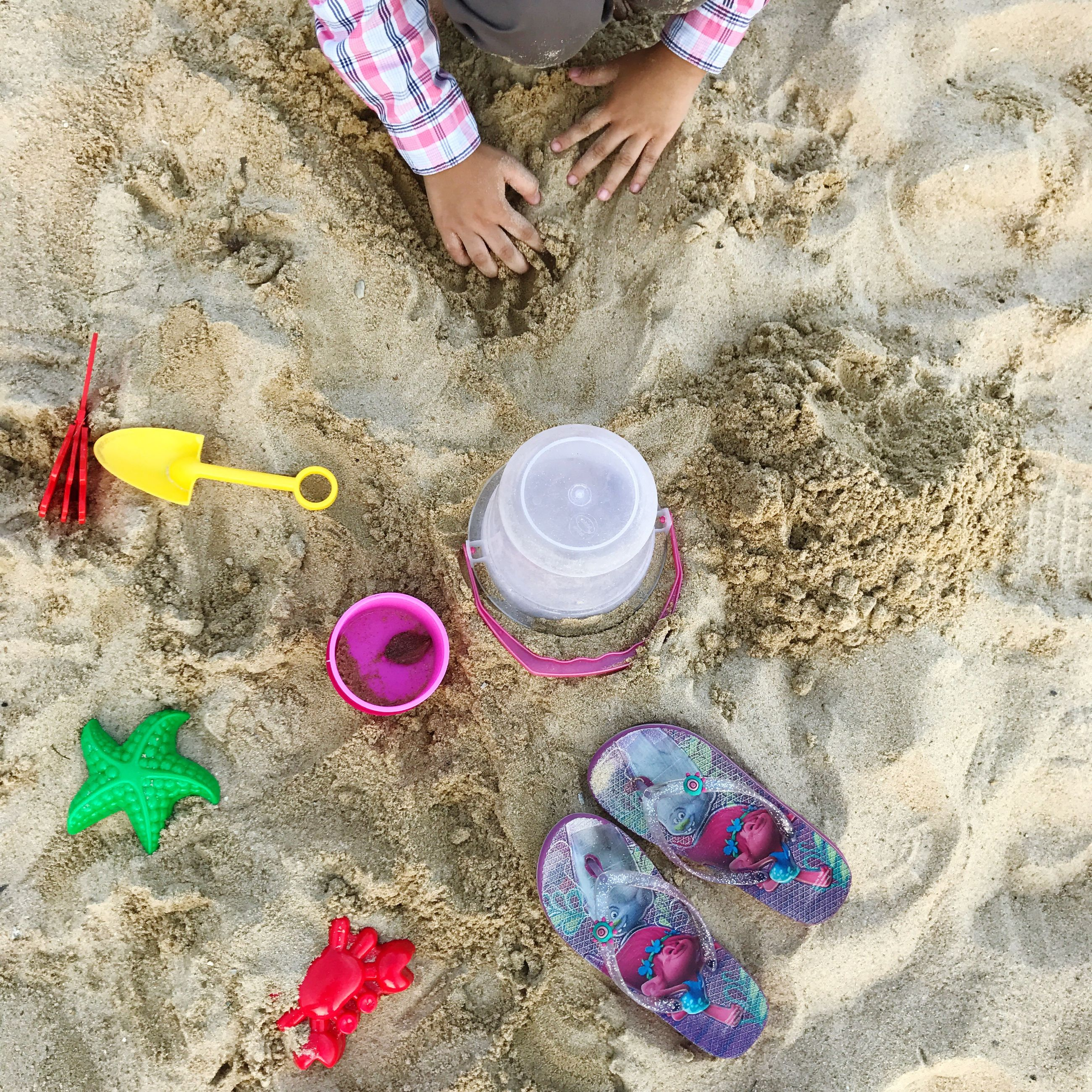 child, high angle view, sand, low section, girls, outdoors, leisure activity, human leg, childhood, human body part, close-up, beach, people, vacations, day, one person, adult