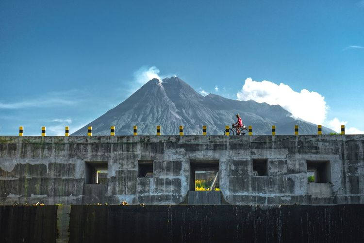 Merapi Vulcano Cloud - Sky Sky Mountain Architecture Outdoors Day Built Structure Nature No People Beauty In Nature Nature People
