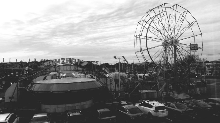 First Eyeem Photo Adventure Streetphotography Streetphoto_bw Blackandwhite Blackandwhite Photography Street Fair Ferris Wheel